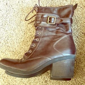 FLASH SALE! $7 ⭐️G by Guess ZIP UP BOOTS. Size 9.5